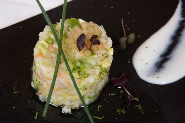 PRAWN AND TROPICAL FRUIT TARTARE WITH LIME & LEMON PEARLS