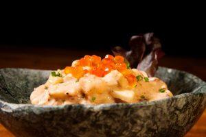 Receta de ensalada del mar con huevas de salmón Spherika Gurmet de Pescaviar