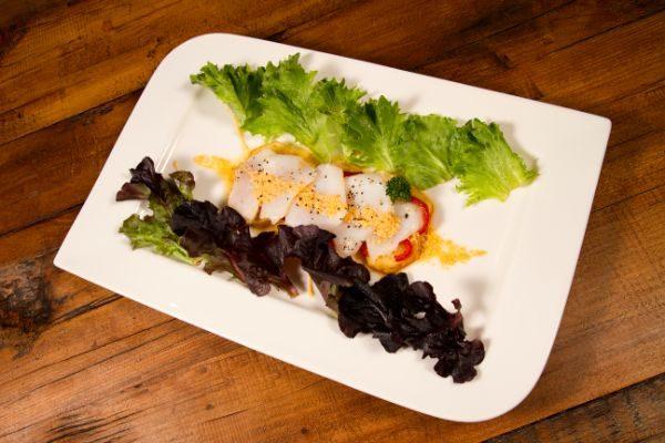 Ensalada con crema de pescado Chovas