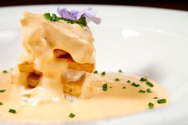 Receta de Milhojas de patata y leguado con crema Chovas de Pescaviar