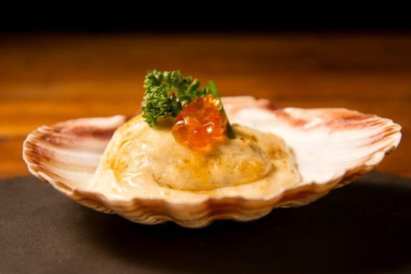 Receta de vieira con huevas de salmón Spherika Gourmet de Pescaviar