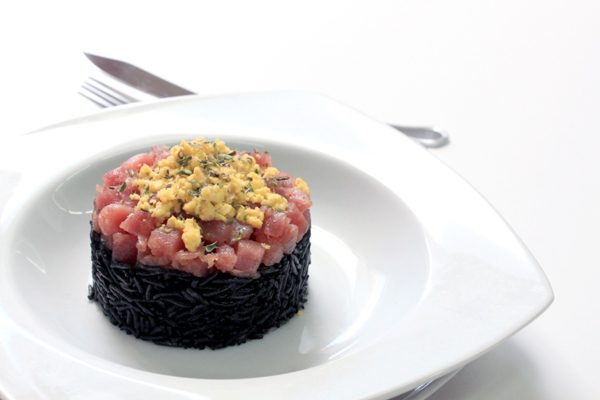 ARROS NEGRE AND TUNA TATAKI TIMBALE